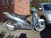 2001 Honda SH 125 automatic scooter, new 12 months MOT, very good runner, bargain, ride away ,,,,,