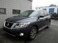 2014 Nissan Pathfinder Navigation | Leather | Heated Steering Wh