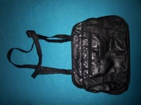 Lorenz Black Handbag IP1