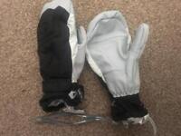 Trespass gloves