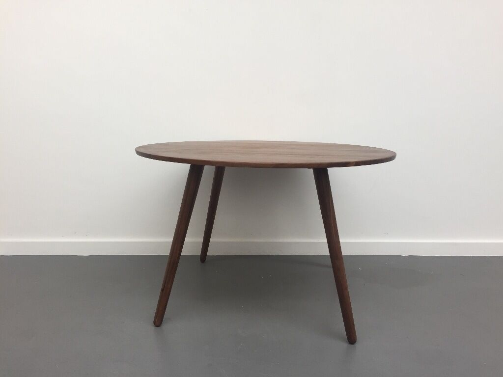 Habitat 4 Seat Round Walnut Dining Table Colour