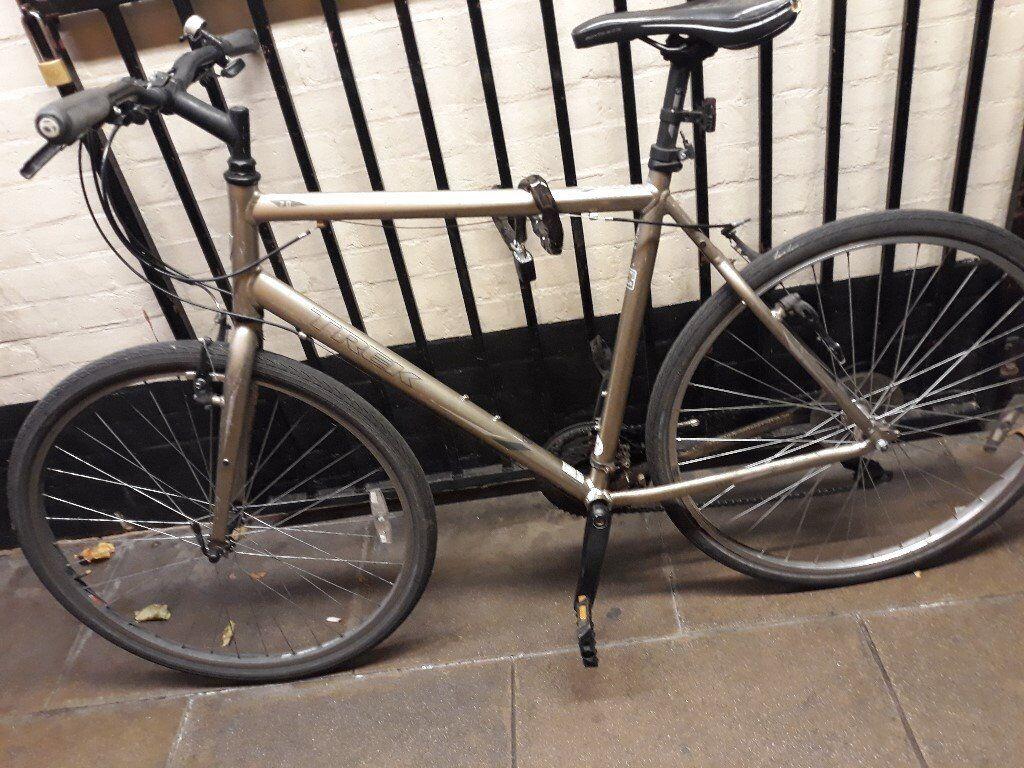 Trek 7.0 Hybrid Bicycle. Bike is broken. Selling for salvageable parts.