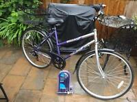 "18"" Ladies nearly new hybrid bike bicycle inc new D lock, lights & basket"