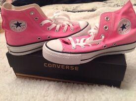 New Unworn Pink Converse All-Star size 4