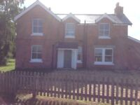 Large Bright Double Room With River & Field Views - Ringwood - One Mile From Town Centre