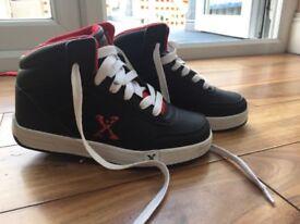 Black hi top heelys