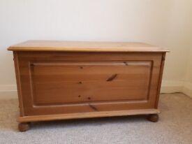 Pine Bedding Box