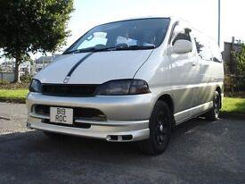 TOYOTA GRANVIA 3.0 Diesel Pearl White/Silver T5 Campervan