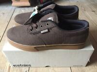 Etnies Trainers in perfect condition