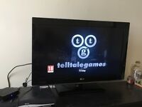 32 inch LG flat screen TV - working, with TV remote