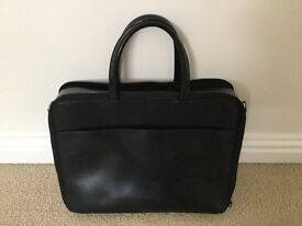 Ladies work/laptop bag with plenty of useful storage room for most laptops.