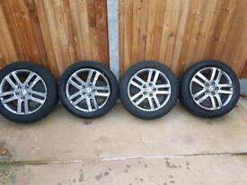 Winter tyres and alloys