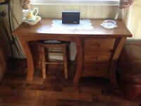 Dressing table / stool