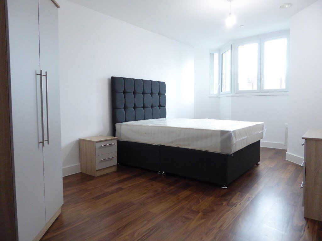 STUNNING AND SPACIOUS ONE BEDROOM FLAT *** GREAT LOCATION *** BOOK NOW