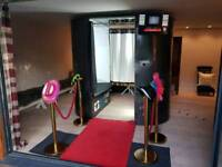 Magic Mirror & Photobooth For All Events
