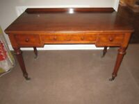 Beautiful Victorian side table desk in mahogany