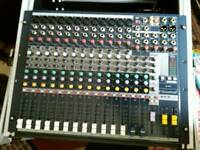 Soundcraft mixer with flight case