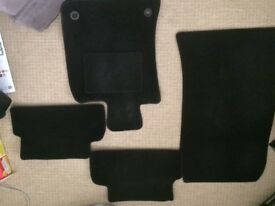 **VERY GOOD CONDITION** Full set of Mini car mats in black to fit 2006-2013 models