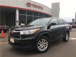 2015 Toyota Highlander LE FWD. REARVIEW CAMERA, 7 PASS, BLUETOOT