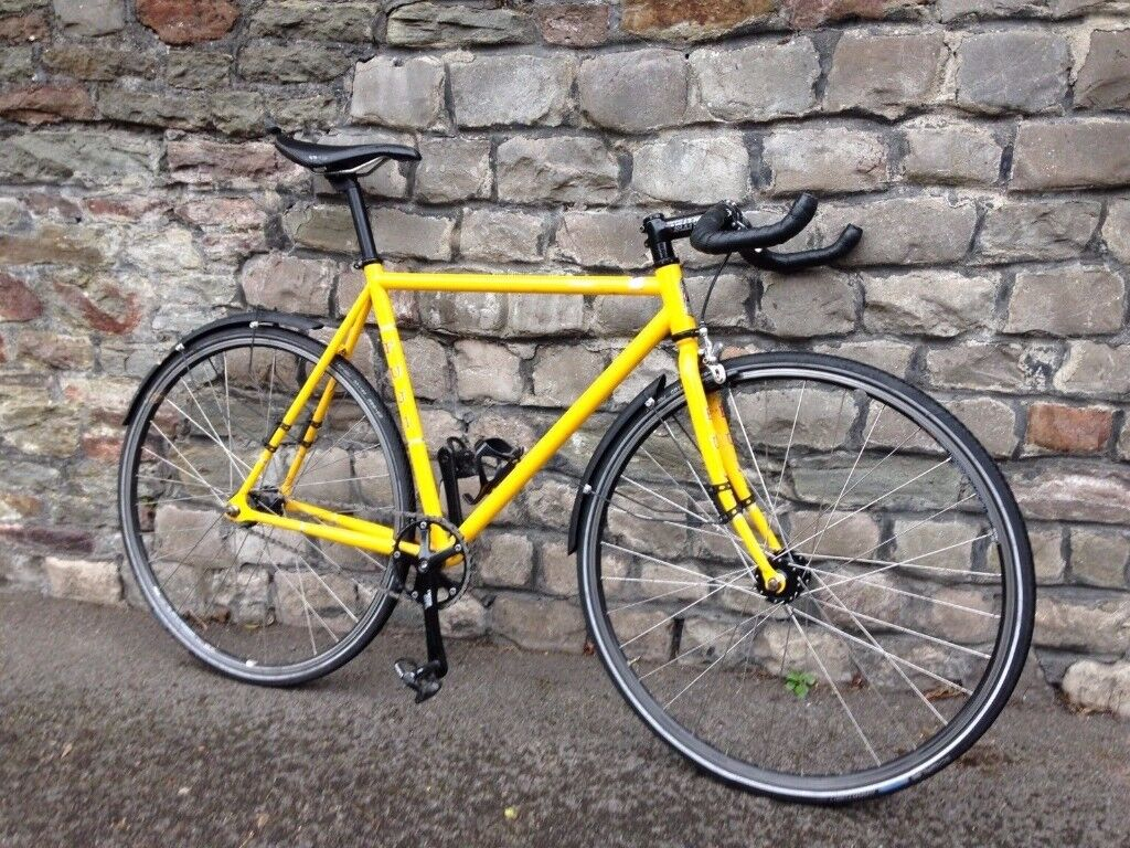 Fuji Classic Track Bike Commuter City Bike Pub Bike Pista