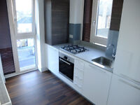 2 bed 2 bath Penthouse ideal for students/companies in Hendon close to Station&University!