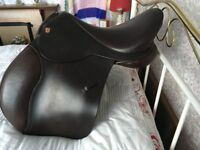 ENGLISH JUMPING SADDLE BY SAYERS OF NORTHALLERTON