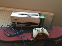 BOxed XBox 360 Kinnect with 10 games (4x Call of Duty + kids games)