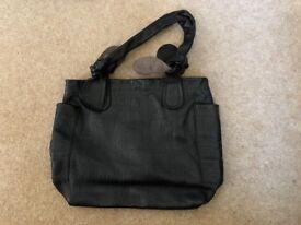 Marc Jacobs Handbag. GREAT PRICE!