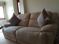 Reclyning sofa