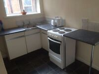 STUDIO FLAT IN TO LET IN THE DESIREABLE AREA OF HOCKLEY - GAS AND ELECTRIC BILLS INCLUDED