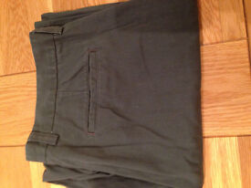 "GAP Loose Fitting Khaki-Coloured Khaki Trousers (never worn) (34""W x 32""/34""L)"