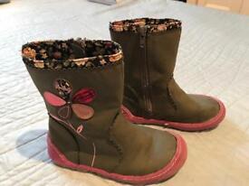 Juniors Girls Boots size 10 UK, 28 EUR