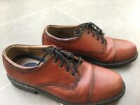 MENS LEATHER DOCKERS SIZE 8/9