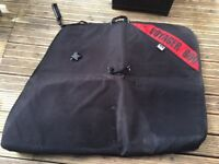 Voyager 600 Bike bag with internal pockets (wheel bags included) Good condition