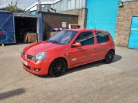 2005 Renault Clio Sport 182 2.0 16v, very good example with great service history. 6 months Mot.