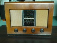 BUSH AC11 Vintage 1950's Valve Radio in Working Order and Including a Full Set of 5 Spare Valves