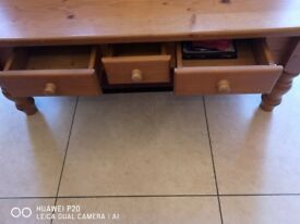 PINE COFFEE TABLE WITH 3 Drawers FOR SALE