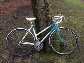 Beautiful vintage raleigh bicycle for sale - southside