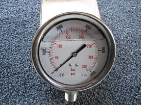 "100mm Pressure gauge, 0 - 5000psi range, 1/2"" NPT thread"