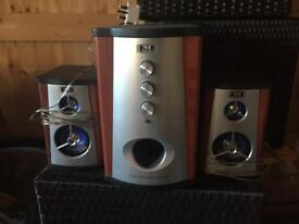 2 x Speakers with Subwoofer