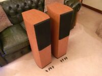 WHARFEDALE DIAMOND 9.4 Floorstanding Speakers