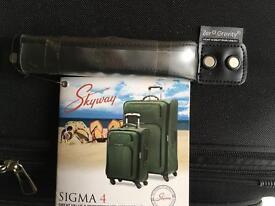 """29"""" 4 wheel suitcase-brand new"""