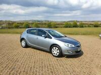 VAUXHALL ASTRA 1.6i 16V Exclusiv 5dr (silver) 2010