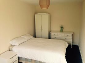 Chelmsford town centre double rooms in professional house share
