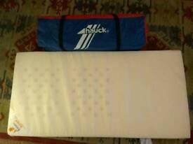 Hauck 120x59cm folding travel cot with ventilated foam mattress