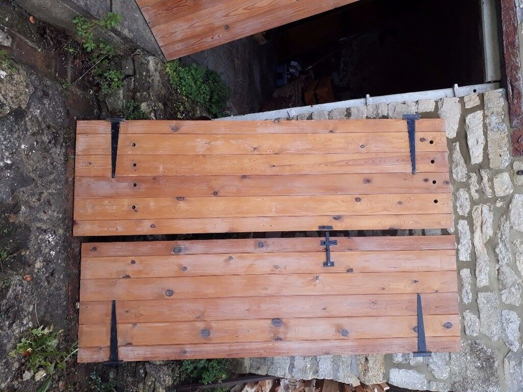 Solid wood internal doors, free to collector