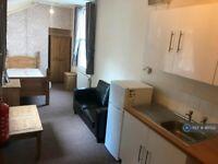 1 bedroom in Clarendon Street, Wolverhampton, WV3 (#961522)