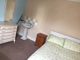 Single or double room room to let in town centre in Bournemouth