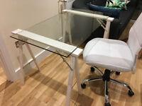 Glass Desk - flat-bed glass +wooden tresles