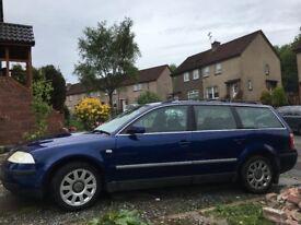2.0 Petrol Volkswagen Passat Blue 5 door